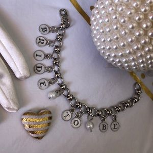 Jewelry - Bride To Be Charm Bracelet with 2 faux pearls NEW